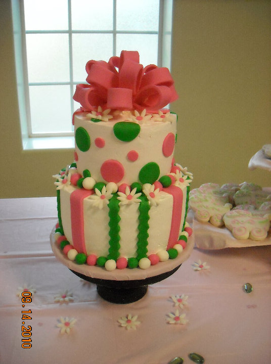 the cake is frosted with the whipped frosting from sam 39 s with fondant