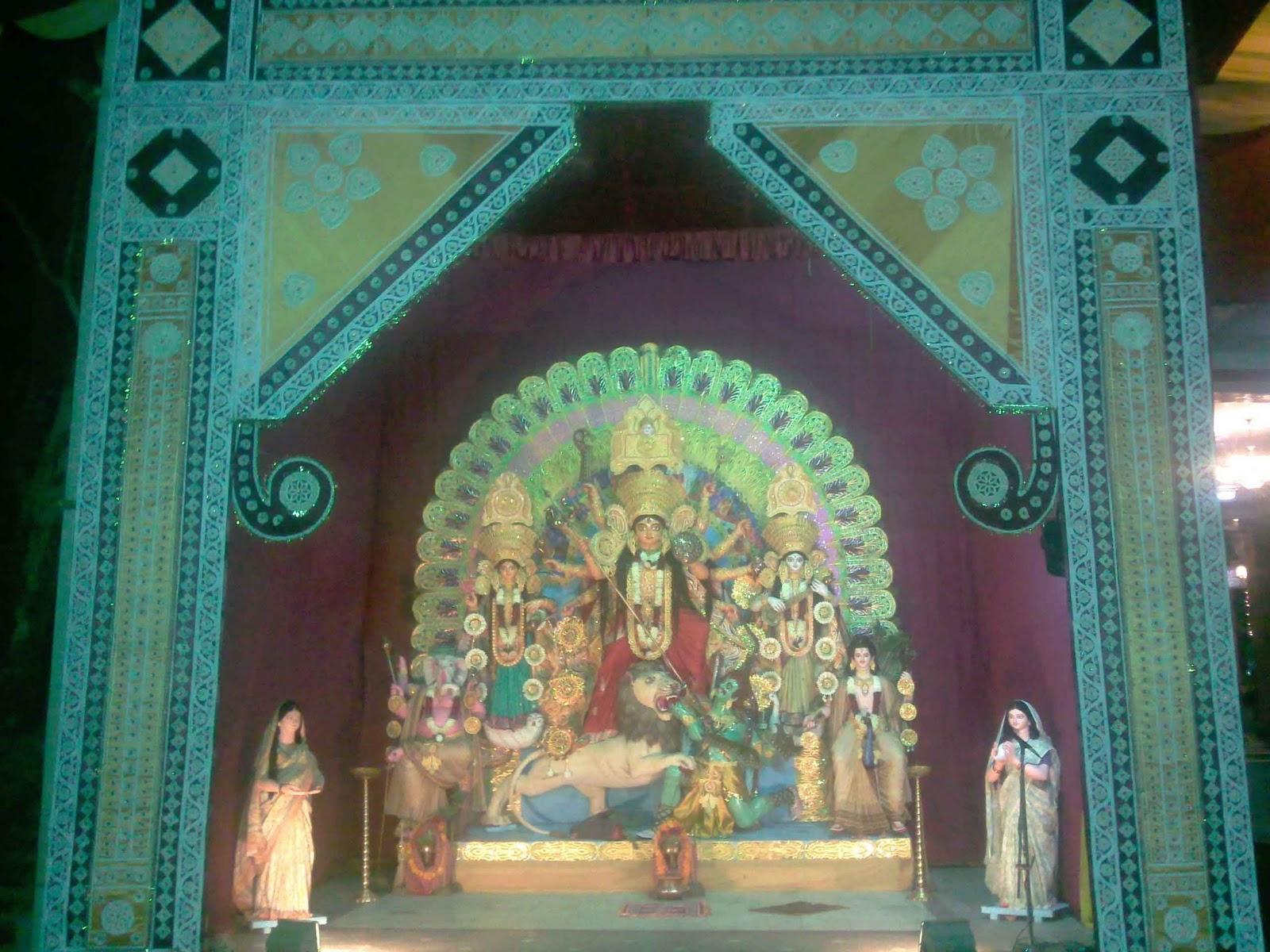 http://2.bp.blogspot.com/_4GsIA8IWB3g/TOVDEbTEU5I/AAAAAAAAA6M/FteBtgXQGDk/s1600/NEW-DELHI-KALI-BARI.jpg