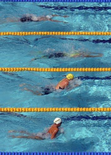 http://2.bp.blogspot.com/_4I7DCAJw-Ss/S73A49Wzk5I/AAAAAAAAIq4/Z61wu9b1XgU/s1600/swim_breaststroke_51184696.jpg
