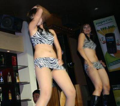 Esia sexy dancers