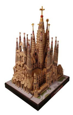 Sagrada Familia Papercraft