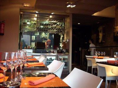Comedor del restaurante Ca Les Noies de L'Hospitalet, foto Xavi Masip