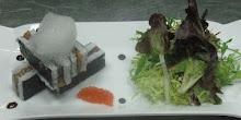 sushi lasagna con aire de wasabi y sake-perlas