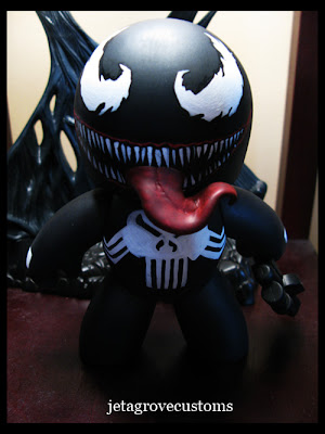 This is my Venom Tattoo that i got from an Ultimate Spidey issue.