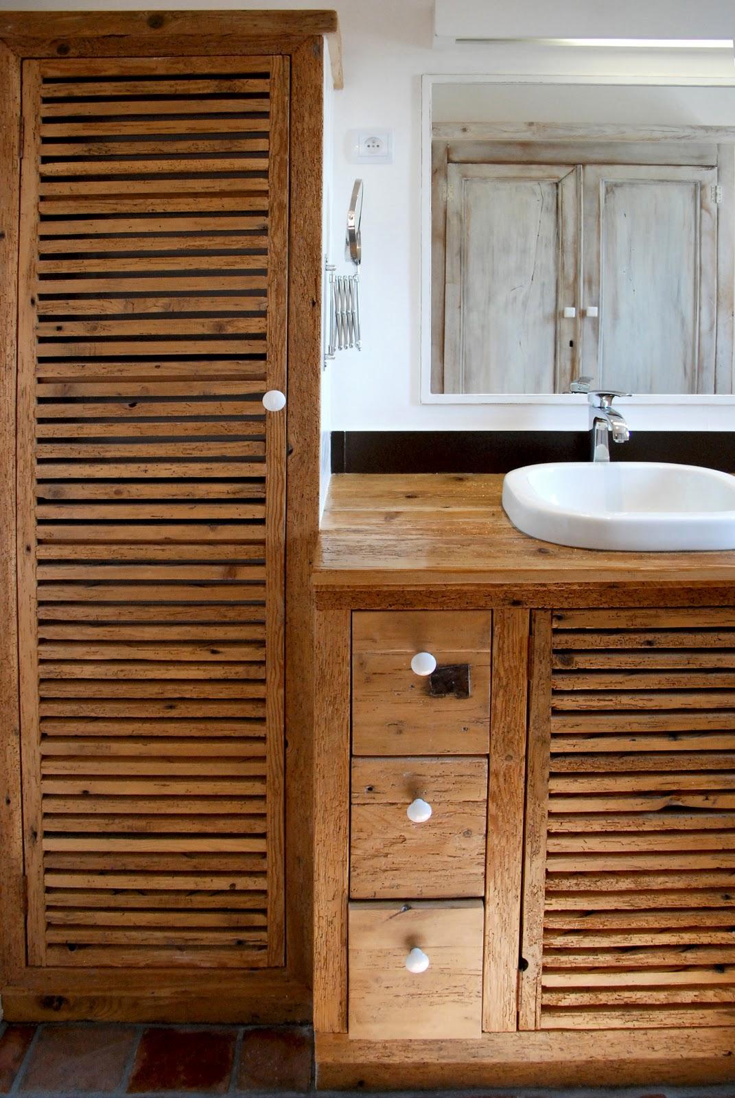 cr ation en bois recycl salle d 39 eau. Black Bedroom Furniture Sets. Home Design Ideas