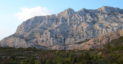 Mont Sainte Victoire photo