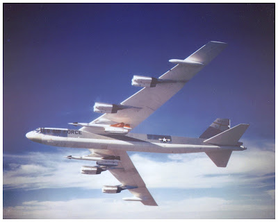 American B-52 that carried nuclaer weapons