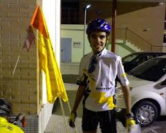 Con el maillot firmado por Carlos Sastre en una marcha