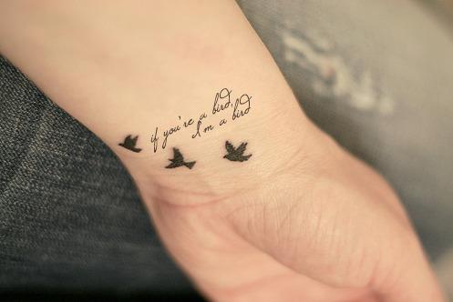 prenom en tatouage poignet - 60 tatouages de maman Magicmaman
