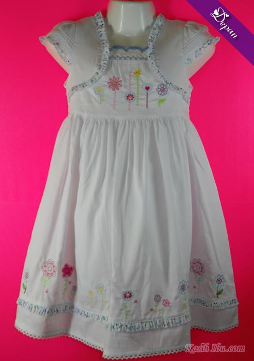 Gaun Putih Ala Cardigan