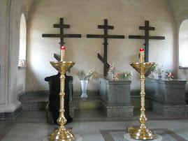 Mormintele celor trei sfinti mucenici de la Optina, Trofin, Ferapont si Ieromonahul Vasile