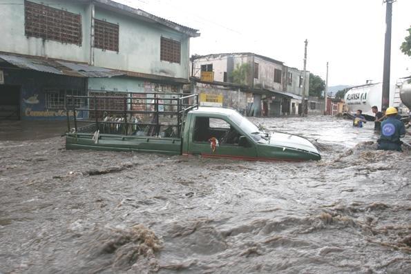 COE pone en alerta a 23 provincias por las lluvias