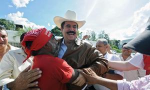Zelaya entra a Honduras; proclama nadie lo sacará
