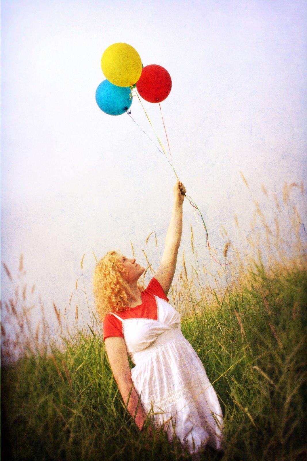 [Anna+ballons.jpg]
