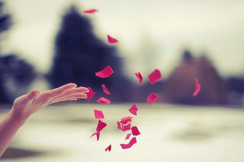 'O futuro mais brilhante é baseado num passado intensamente vivido.'