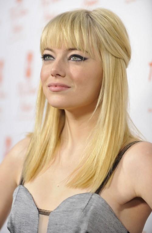 Teencelebbuzz Emma Stone Debuts Blonde Hair