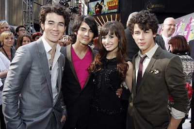 Demi Lovato   Jonas Brothers on Demi Lovato And The Jonas Brothers Jpg