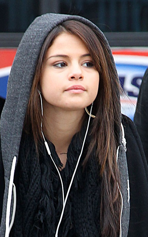 selena gomez new haircut 2010. selena gomez new haircut 2010. Selena Gomez was spotted