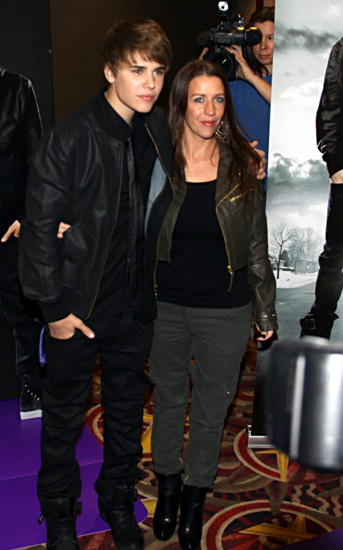 justin bieber pictures 2011 february. justin bieber pictures 2011