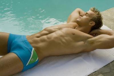 Swimpixx - pics of men in swimmwer: speedos, aussiebum, sungas, & nike. Brazilian homens nos sungas abraco sunga. Free photos of speedo men, hot gay men in speedos and aussiebum. Swimpixx blog for sexy speedos.<br />