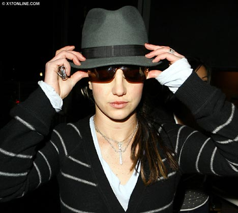 britney spears black hat 50th grammy award
