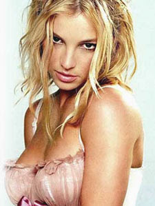 Britney Spears is into threesomes and girls