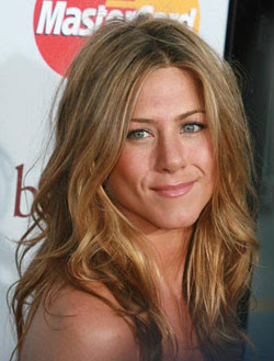 Jennifer Aniston romancing a mystery man?