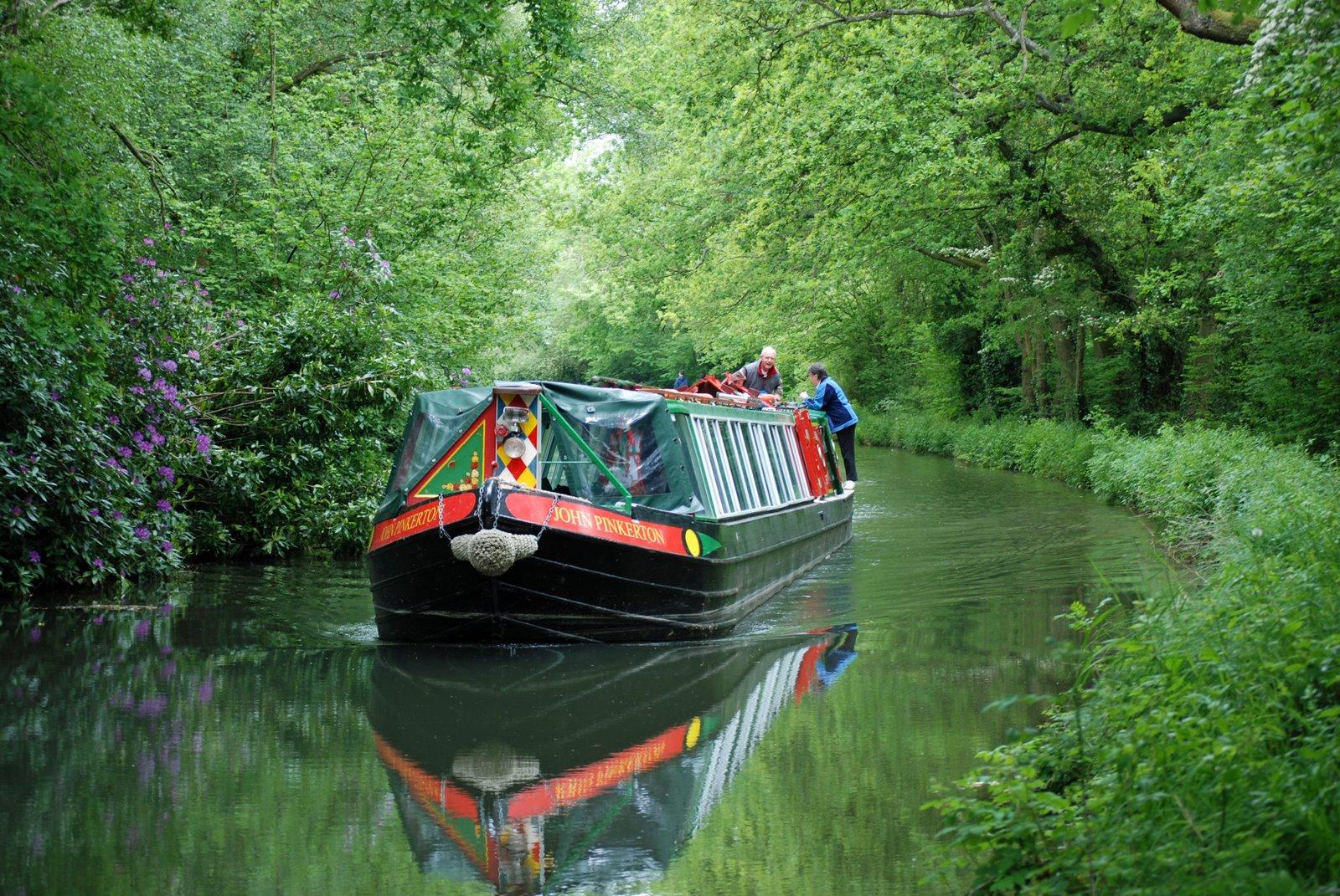 barge,basingstoke canal, hampshire