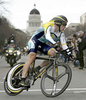 Lance Armstrong on the now-missing bike