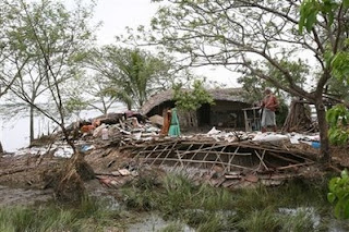Cyclone aila devastates normal lifestyle in bangladesh and west bengal