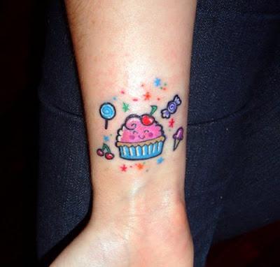 female cute hand tattoo style