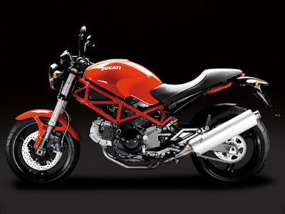 Ducati MONSTER 695 engine