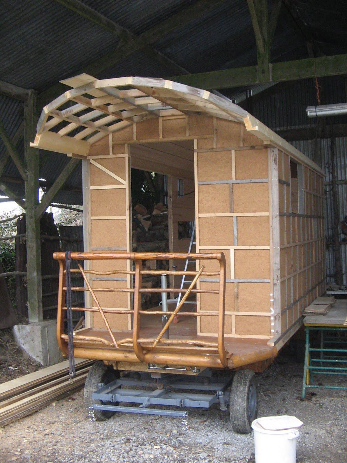 Halte terre native construction de la roulotte suite - Plan roulotte gitane gratuit ...