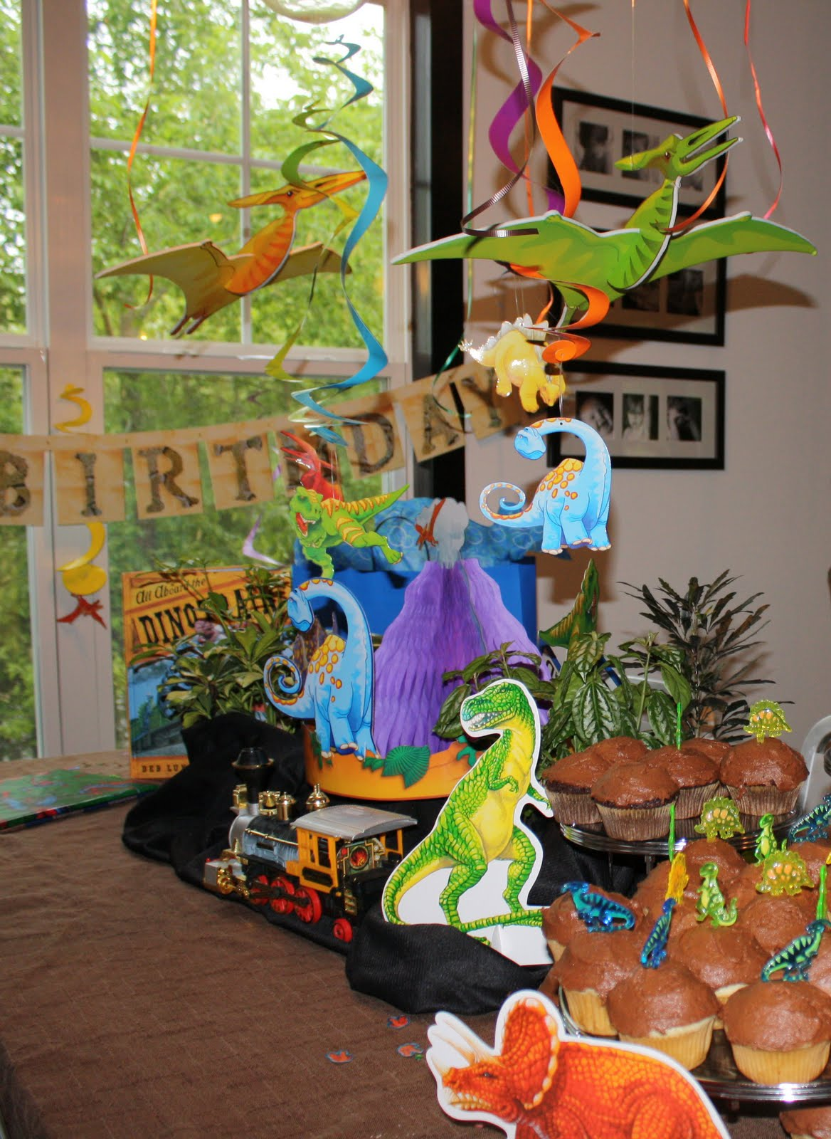 academy at thousand oaks: Dinosaur Train Birthday Party