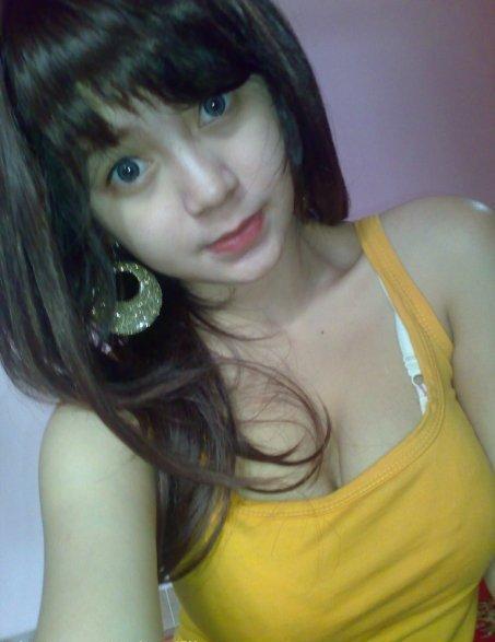 Amat Narsis Cewek Cantik Serba Kuning:Foto Foto Bugil Mahasiswi ...