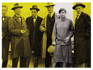 Gunta Stolzl with other Bauhaus masters