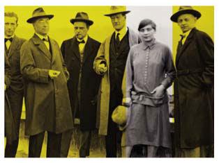 Gunta Stolzl with other Bauhaus masters