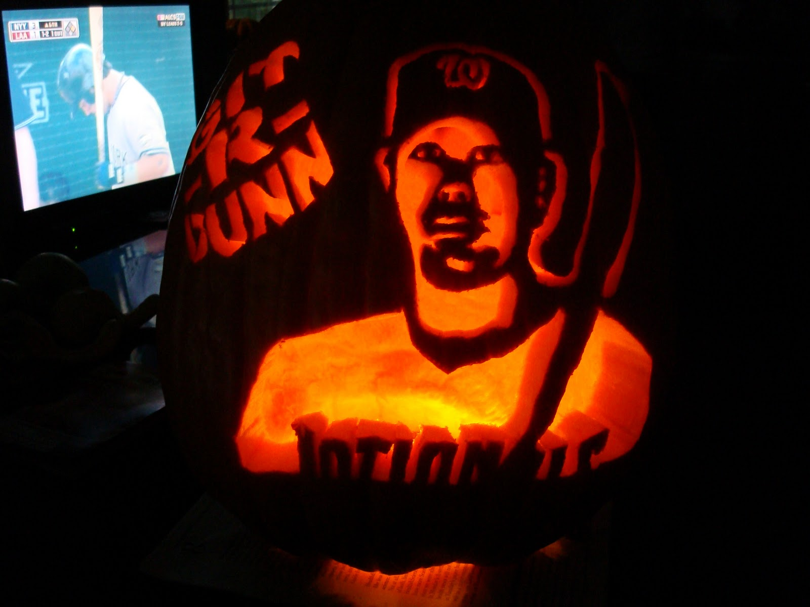 NATIONALS NEWS NETWORK: Off The Field: Nationals Pumpkin Carving Contest