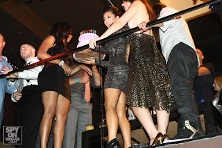 Kim kardashian october 2009 birthday party