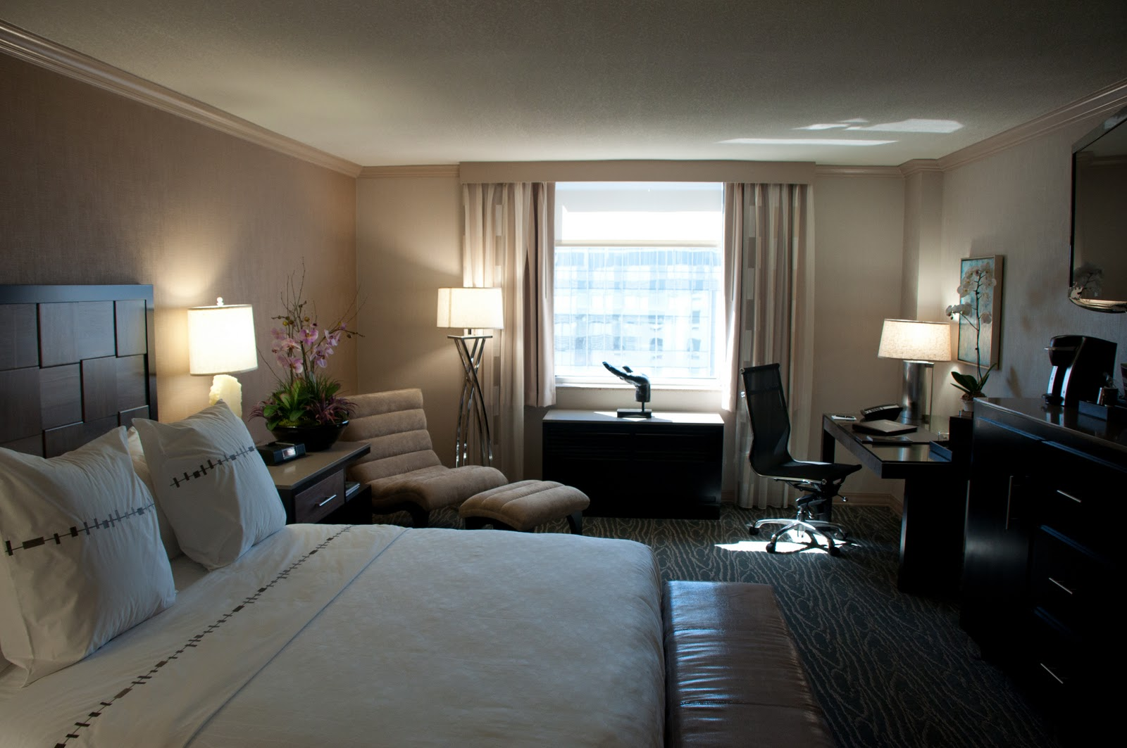 http://2.bp.blogspot.com/_4eEaBAQZOnc/TSSPeEL1-0I/AAAAAAAAJKQ/-D_ODSz6VR4/s1600/31397221-H1-Luxe-7931_Room_View.jpg