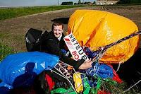 globos Cruza el Canal de la Mancha en 55 globos