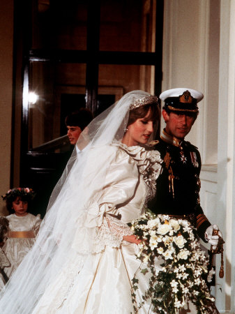 princess diana wedding dress photos. princess diana wedding gown