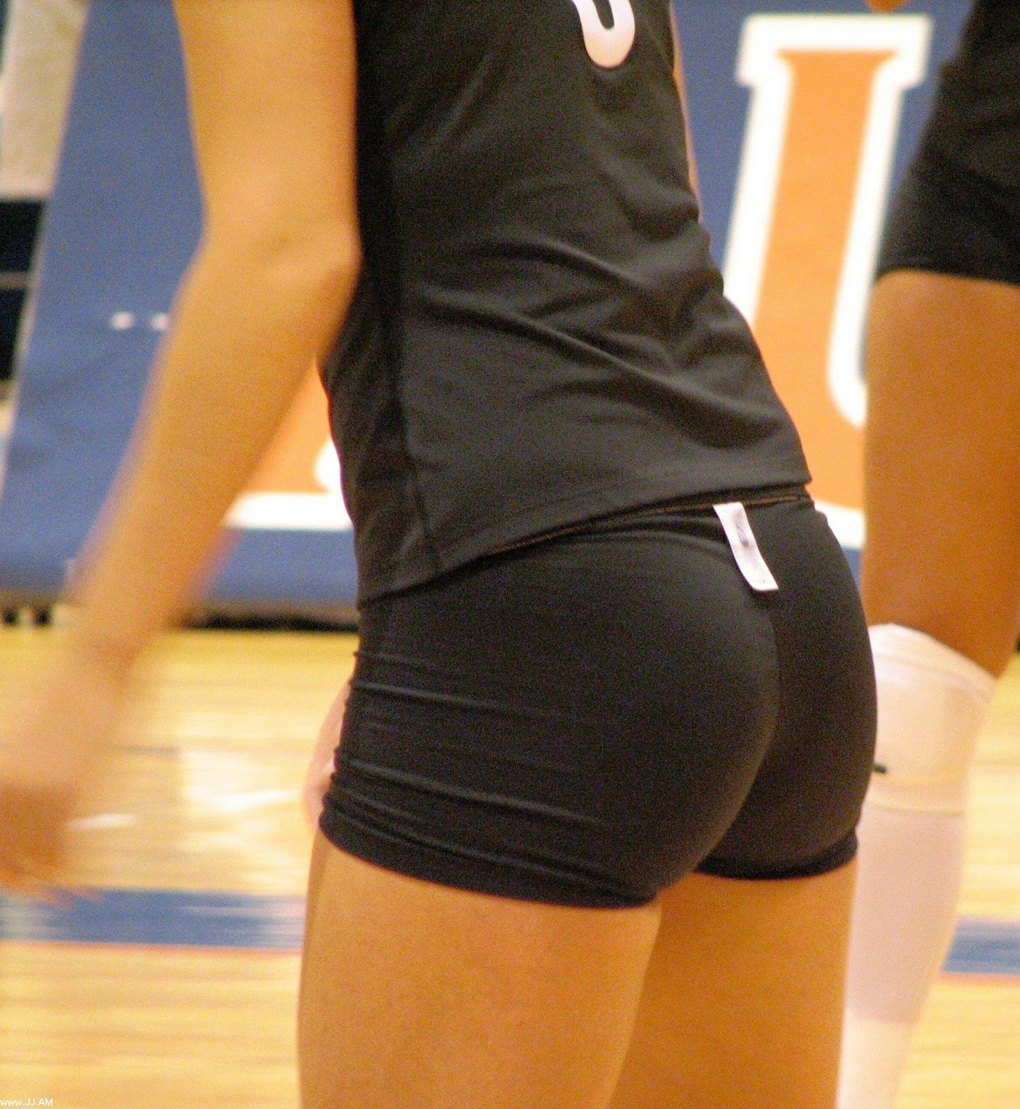 Check the laundry instructionsWomen In Volleyball Shorts