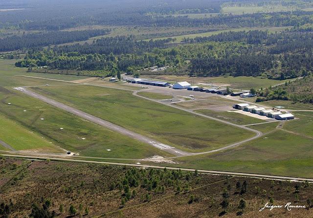 Vue aérienne aérodrome de Bordeaux Léognan Saucats