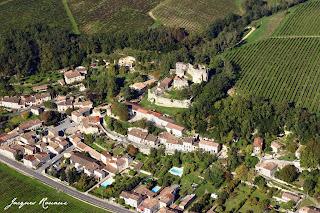 vue aérienne chateau de Langoiran