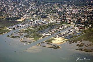 Photo aerienne du port ostreicole de Gujan Mestras sur le Bassin d'Arcachon