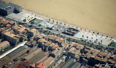 Vue aérienne des quais des Chartrons au niveau du roller skate parc