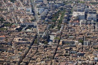 Vue aérienne du centre ville de Bordeaux