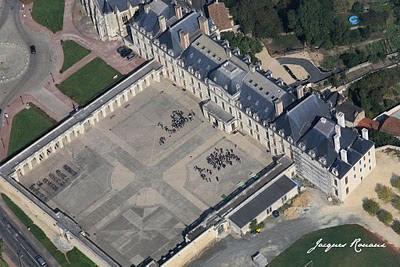 vue aérienne du Château des ducs de la Tremoille à Thouars