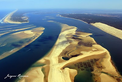 photo aérienne du Bassin d'Arcachon par grand coefficient de marée basse